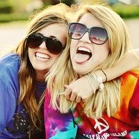 friends-lol-summer-tounges-Favim.com-177310